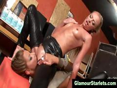 oiled-up-lesbos-pussy-eating