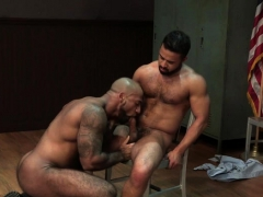 big-dick-bodybuilder-oral-sex-with-cumshot
