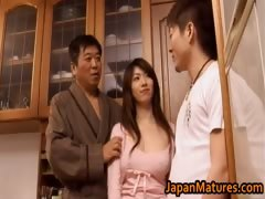 japanese-mature-babe-gets-fucked-doggy-part1