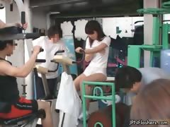 cute-japanese-teen-girl-peeing-in-her-part3