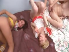 three-russian-18yo-teenagers-playing