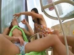 two-girls-masturbate-snatches-together
