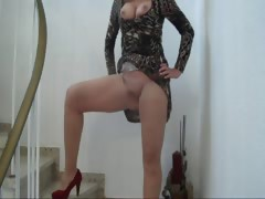 sandrabunny-on-the-way-for-fucking-in-bedroom