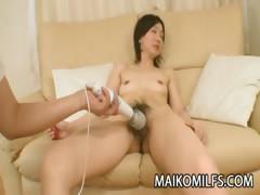 japanese-cougar-junko-konno-satisfying-a-hard-cock