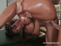 nasty-masseur-shoving-his-huge-cock-in-his-clients-cunt