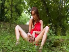 natasha-forest-girl-from-italia