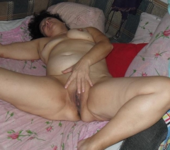 My Wife Spread her Legs and Showed her Cunt