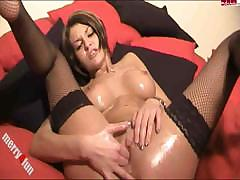 Body Lotion Show With The Masturbation