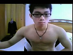 sexy-asian-twink-on-cam