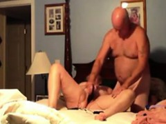 amateur-wife-getting-fucked-with-a-dildo