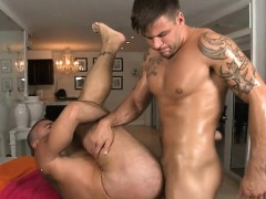 Wild Homo Spooning