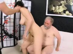 Korotkoe porno padrostki devochki