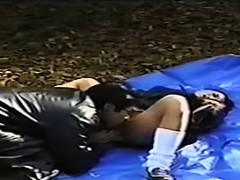 japanese-schoolgirl-having-sex-outside