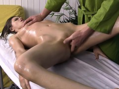 very-hot-brunette-slut-gets-boned-during-massage