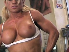 melissa-dettwiller-naked-in-the-gym