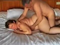 Подглядывала за парнем порно онлайн