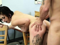 sexy-housewife-pussy-eating