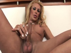 Grazielle Skinny Tranny Filling Up A Glass With Cum