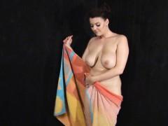 toni-leanne-shower-fun