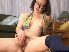 hairy-amateur-pussy-squirts-while-toyed