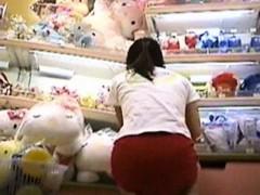 Japanese Girls Close up Panties Pursuit