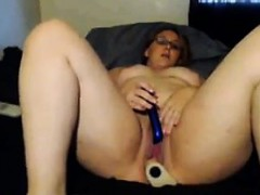 fat-cam-girl-with-glasses