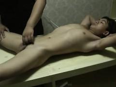 Big Cock Asian Boy Got Blowjob
