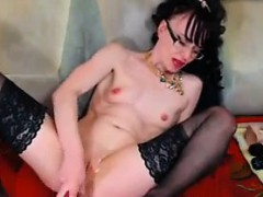Nasty Cam Whore Plays With Her Holes