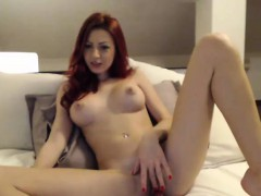 great-tit-redhead-milf-pussy-play-on-webcam