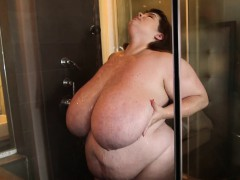 bbw-lexxxi-luxe-showers-and-soaps-her-huge-tits