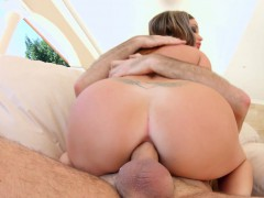 Primecups Busty Slut With Big Titties Removes The Sprinkles