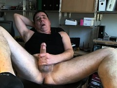 penis-rubbing
