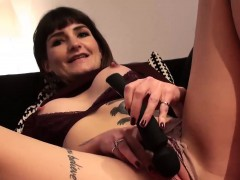 perfect-milf-adreena-winters-stuffing-a-toy-in-her-wet-pussy