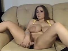 big-titted-curvy-woman-masturbate-on-cam