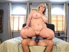 huge-tit-bbw-milf-fucks-the-wedding-planner