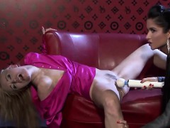 Claudia And Nessa Pleasure Their Orgasmic Snatches