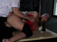castigo-anal-para-estudiante-intrusa