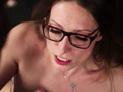 foxy-looker-gets-cumshot-on-her-face-eating-all-the-cream