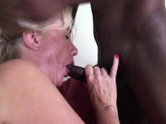 american-woman-goes-interracial