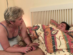 she-finds-her-old-mom-and-boyfriend-screwing