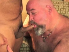 strong-bears-and-hunks-blowjobing-dick-in-this-small-group