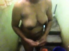 hidden-cam-caught-wife-showering
