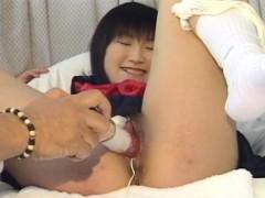 schoolgirl-yoshizawa-yoshino-gets-her-hairy-pussy-dildoded