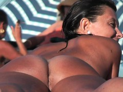 Real Beach Voyeur Amazing Brunette Teen On The Sand