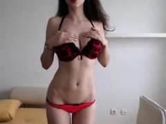 Busty Amateur Brunette Rubbing Her Pussy On Web Cam