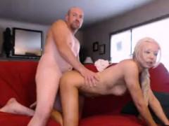 amateur-mature-couple-doggystyle-fucked-on-webcam