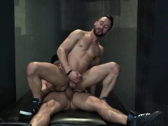Muscle Bear Foursome And Cumshot