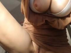Curvy Slut Masturbates On A Webcam