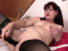 wife-finds-her-mom-and-bf-fucking