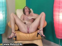 horny-mature-lady-loves-stretching-her-part3